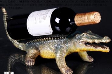 Decor bằng đồng X HOME Hà Nội Hồ Chí Minh Kệ rượu cá sấu